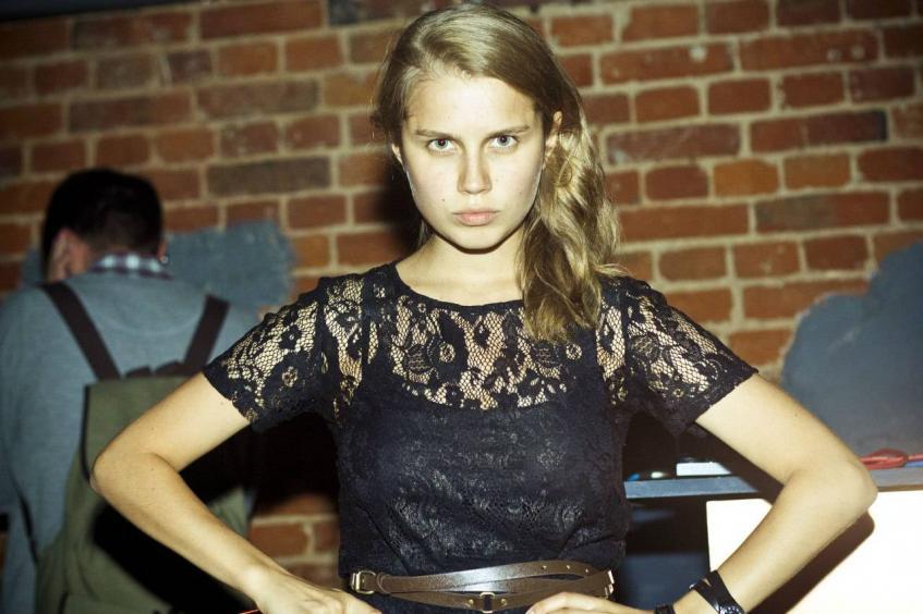Даша мельникова актриса папины дочки просмотр фильма с участием сильвестр сталлоне