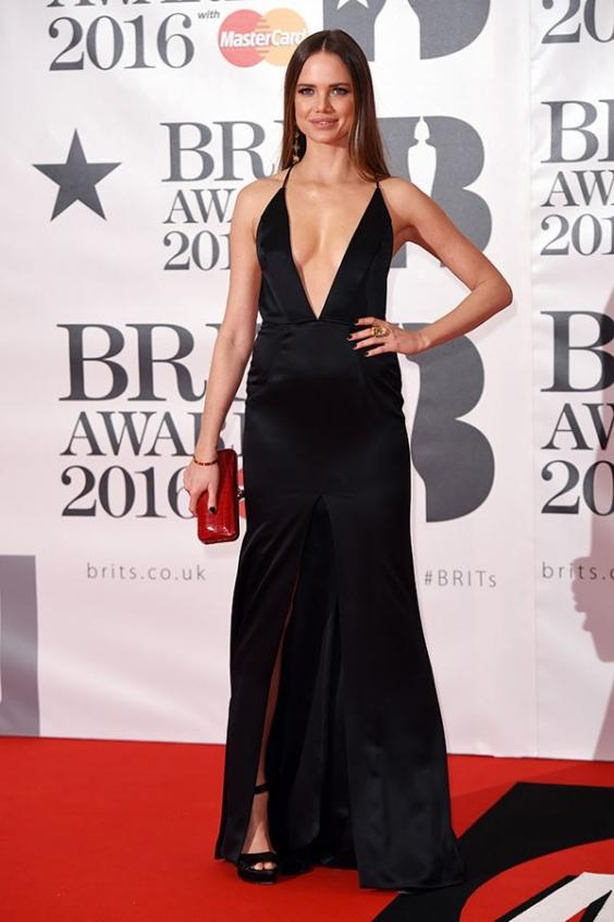 orig 0b43670ba0701b05fc394a5aee490e25 - Лучшие наряды звезд на премии BRIT Awards-2016.