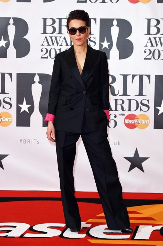 orig 7b0a4f2f63f5f36d7d77242cd1b29875 - Лучшие наряды звезд на премии BRIT Awards-2016.
