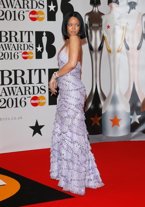 orig 9c3931110d2f11fa4cd11c0718337423 - Лучшие наряды звезд на премии BRIT Awards-2016.