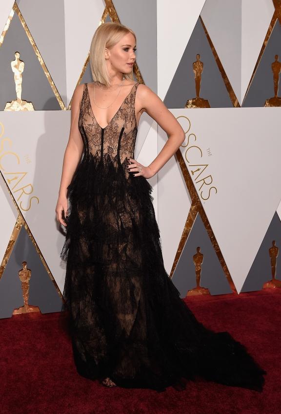 orig 4550febd202c068de5d8a9625871ecea - Худшие наряды звезд на кинопремии Оскар-2016.