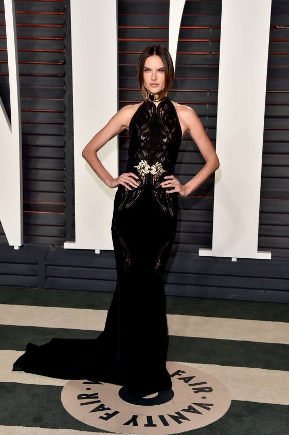 orig b4c72db4e19fc5ad50731f2438b8123c - Лучшие наряды знаменитостей на afterparty Vanity Fair после кинопремии Оскар.