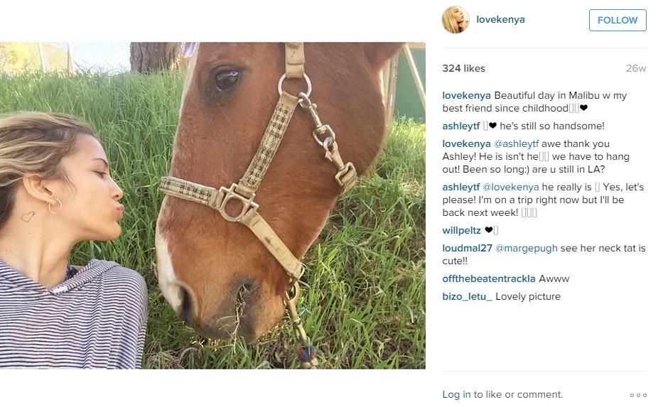 Кения Кински с лошадью