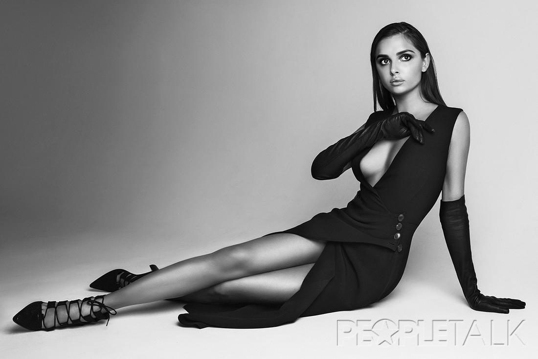 Каролина Севастьянова сняла с себя все и попозировала голышом. Горячие бесплатные фото и видео