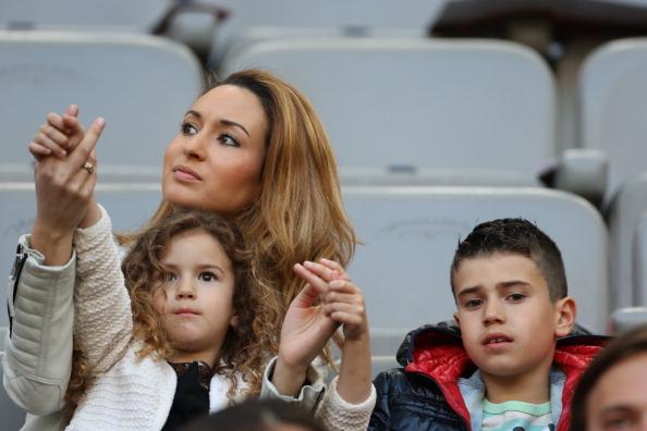 Жена Робина ван Перси с детьми