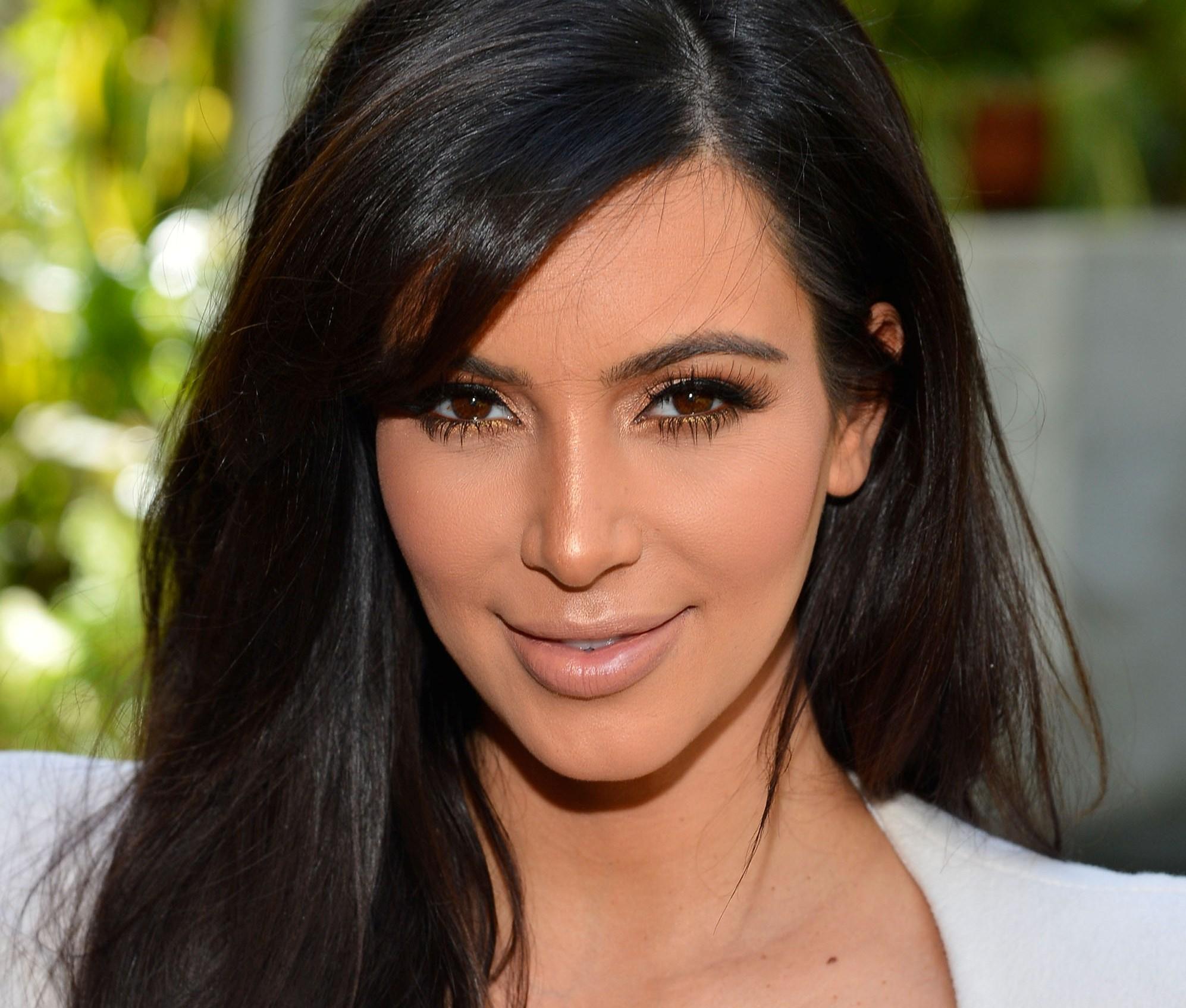 kim kardashian net worth - HD1994×1695