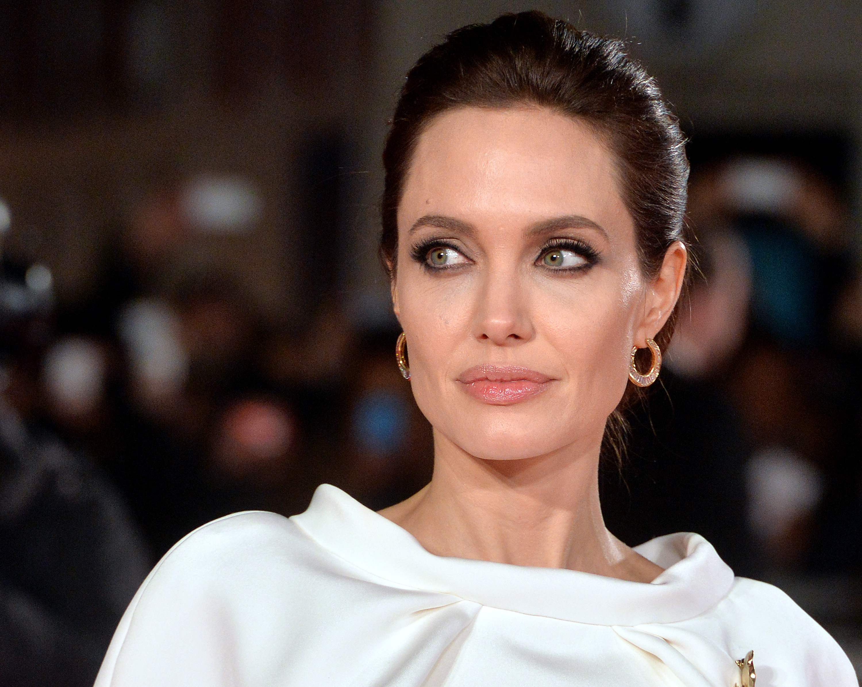 Анджелина Джоли, похудела