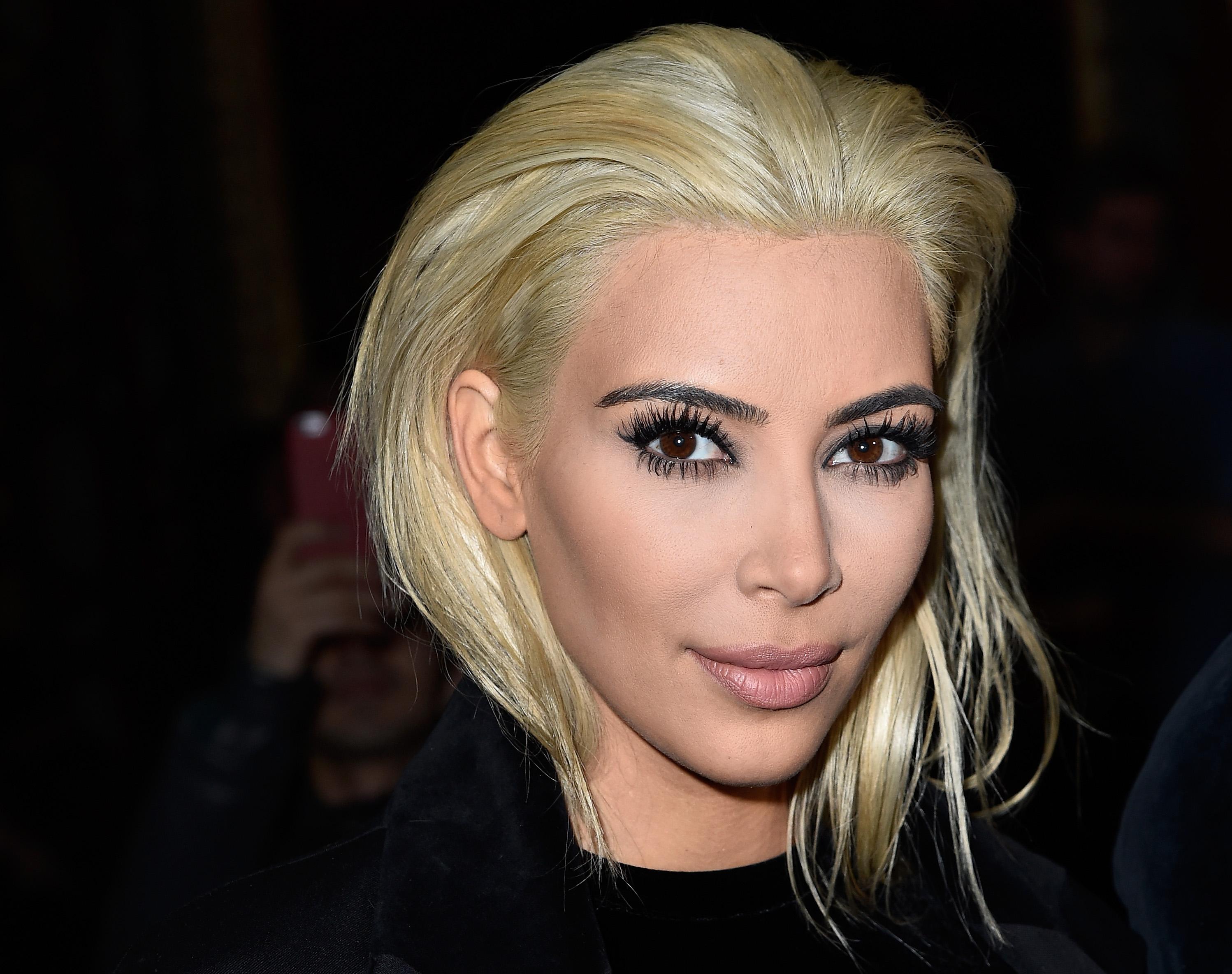 Темные брови и светлые волосы фото