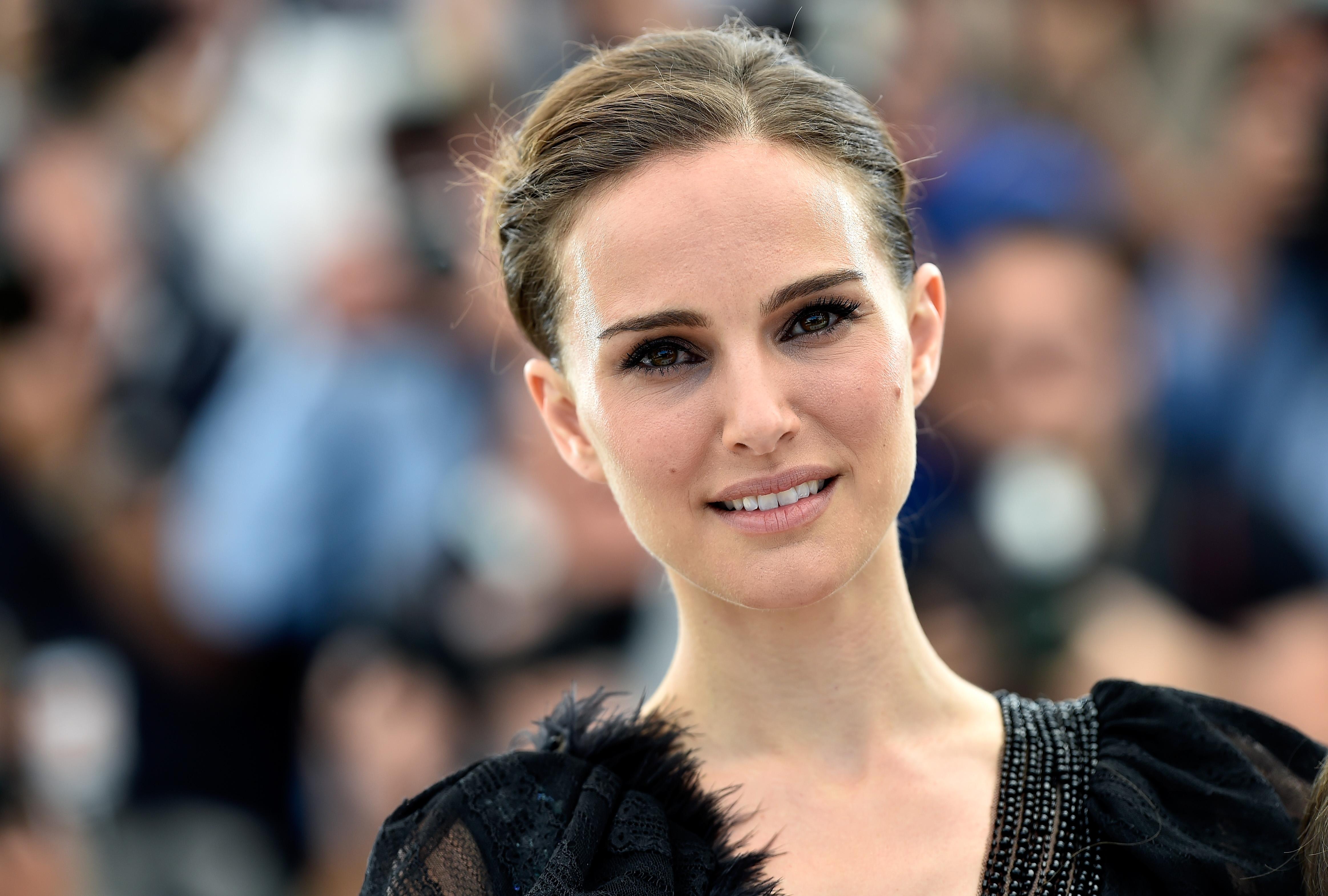 Картинки по запросу голливудские актрисы с русскими корнями
