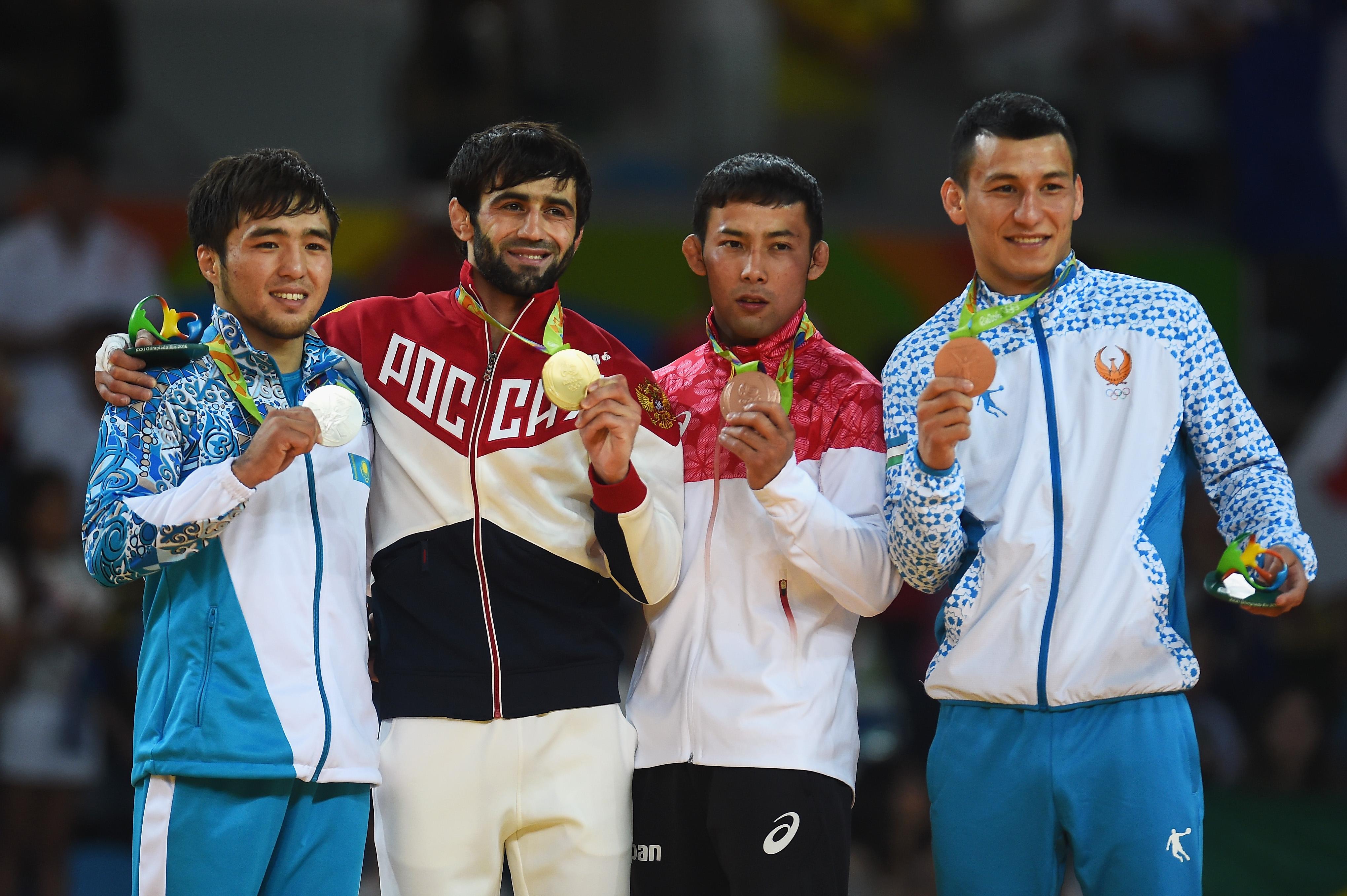 ВРио-де-Жанейро прошла церемония поднятия флага Кыргызстана