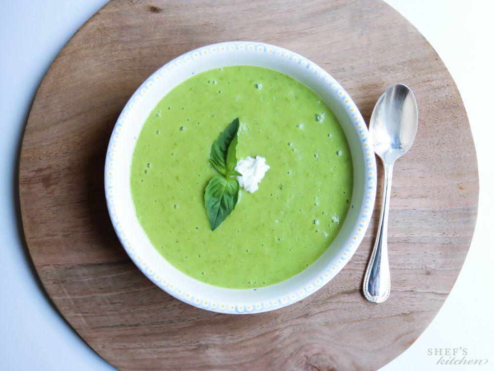 Суп из сладкого горошка и базилика