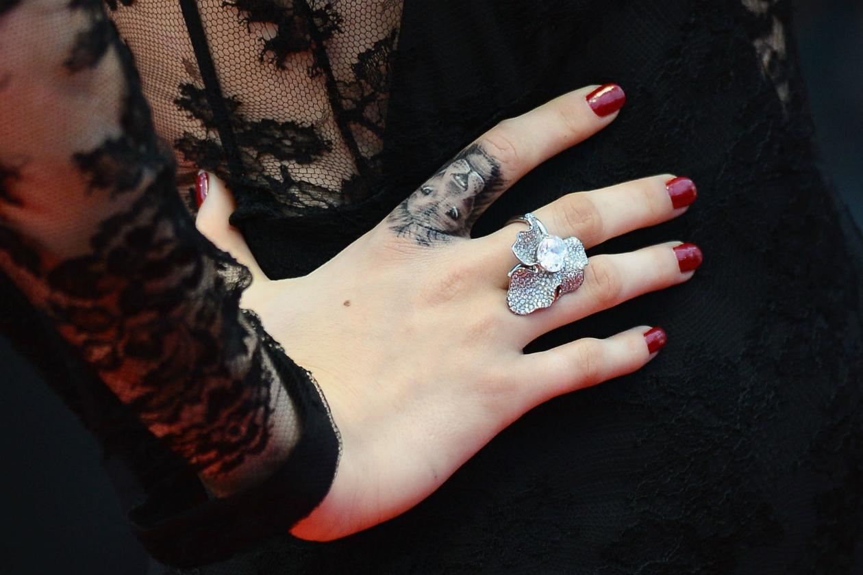 tatuaggi-tattoo-celebrity-vip-famosi-cara-delevingne.jpg