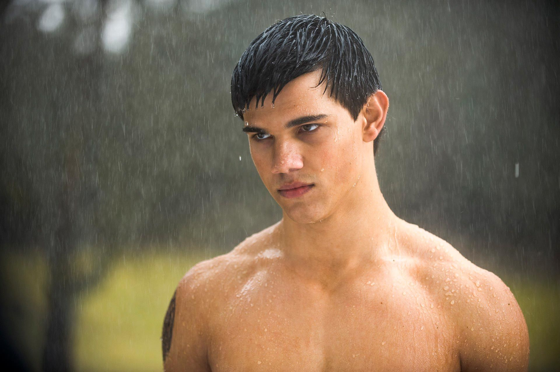 taylor-lautner-13-it-s-been-7-years-sinc