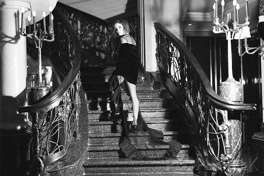 Платье, жакет, Zalina Verkhovskaya, Fashion Incubator; ботинки, Grey Mer