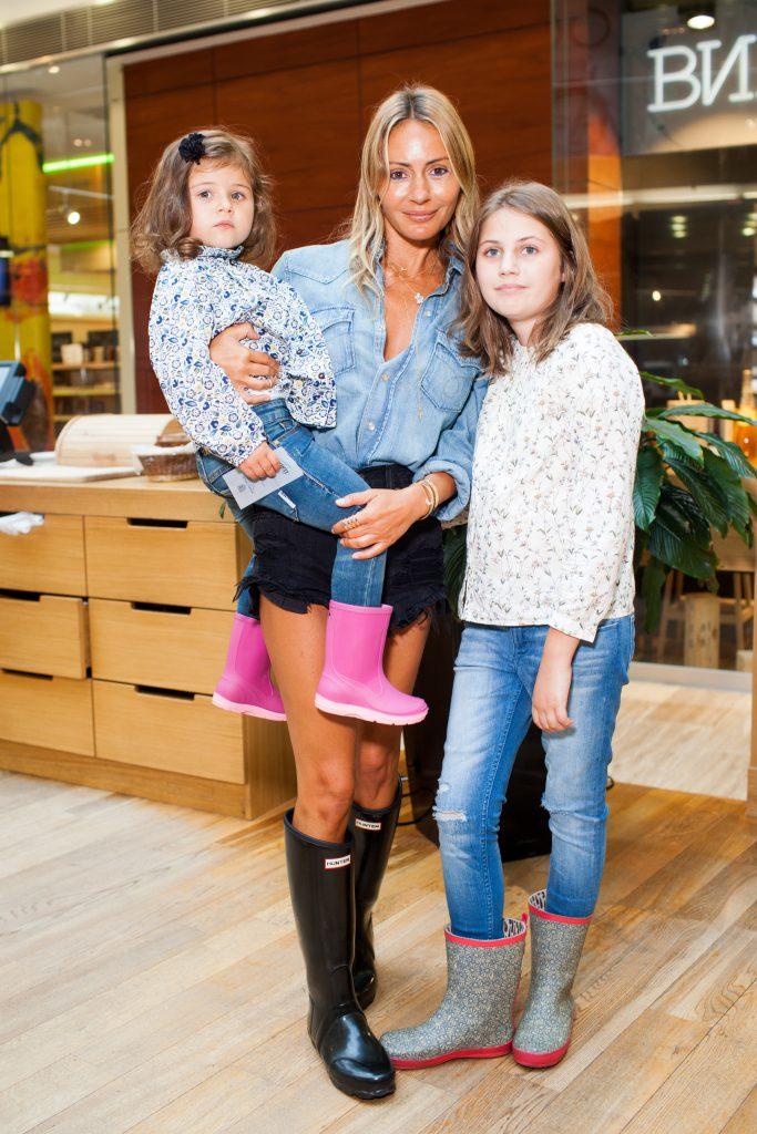 Марина Долидзе с дочерьми Лизой и Соней