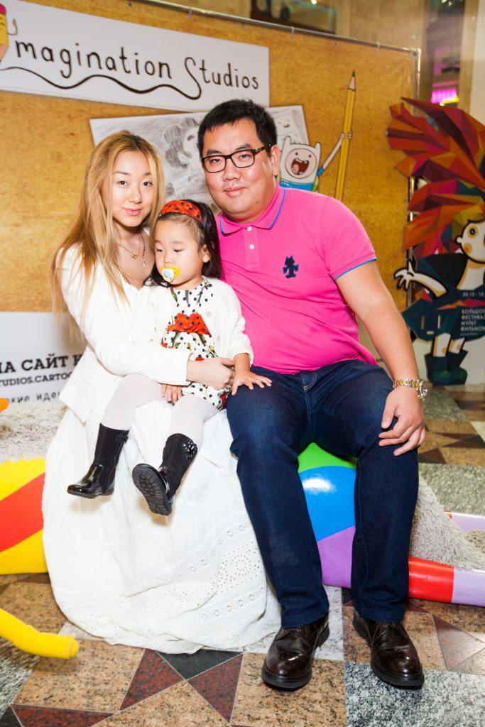 Евгения и Андрей Ким с дочерью Александрой