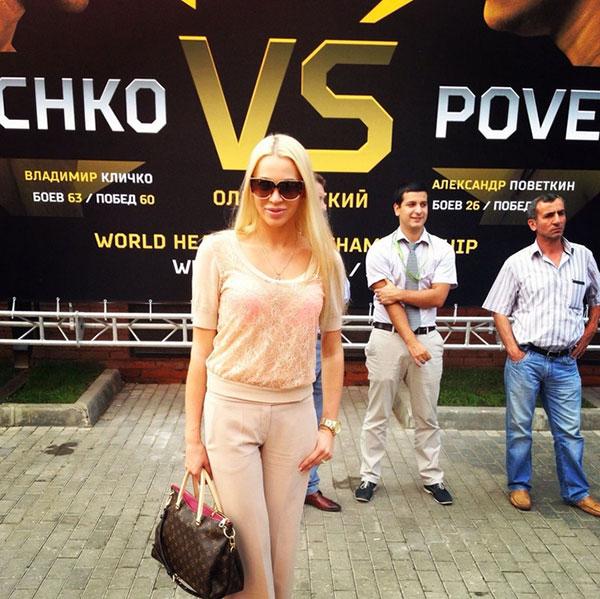 Модель Евгения Поветкина (25), жена российского боксера Александра Поветкина (35).