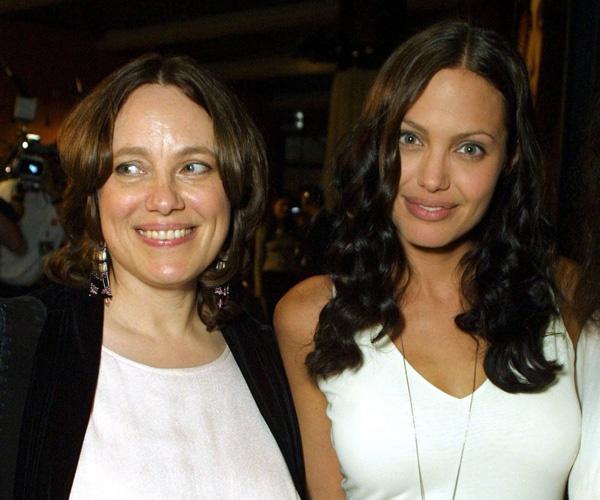 Актрисы Маршелин Бертран (1971—2007 гг.) и Анджелина Джоли (39)