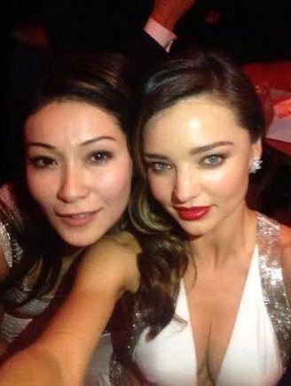 Телеведущая Марина Ким (35) и модель Миранда Керр (31)