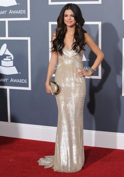 Актриса Селена Гомес (22) в платье J. Mendel 2011 год.