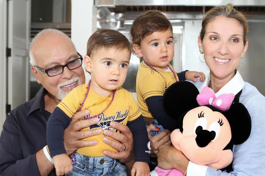 24 октября 2010 года пенвица Селин Дион (46) стала счастливой мамой близнецов Эдди (5) и Нельсона (5)