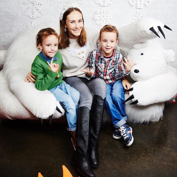 Маргарита Лиева с сыновьями Робертом и Германом