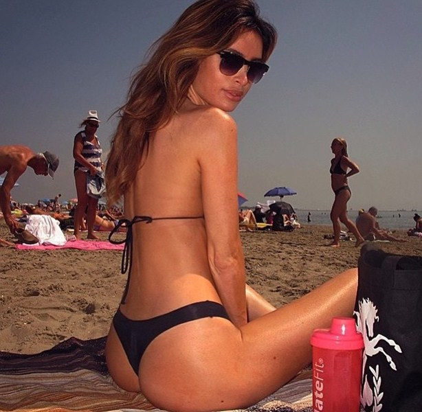 Модель Сара Стейдж, 30