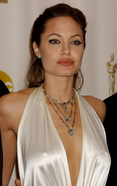 Анджелина Джоли (39), актриса и режиссер