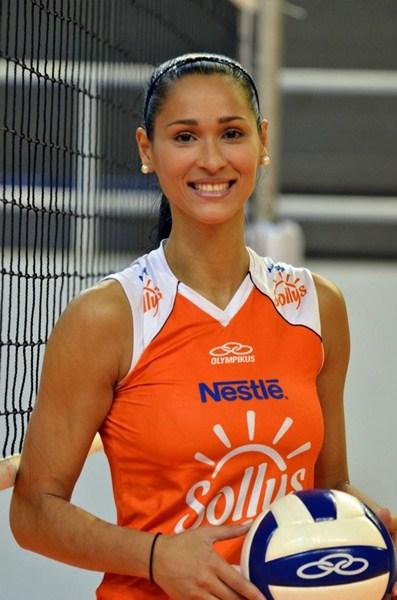 Волейболистка Жаклин Карвальо, 31
