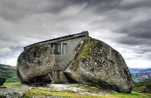 Дом-камень португалия.