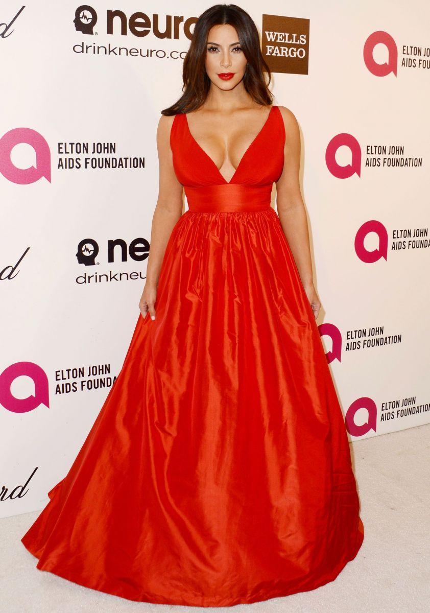 Красное платье кардашьян
