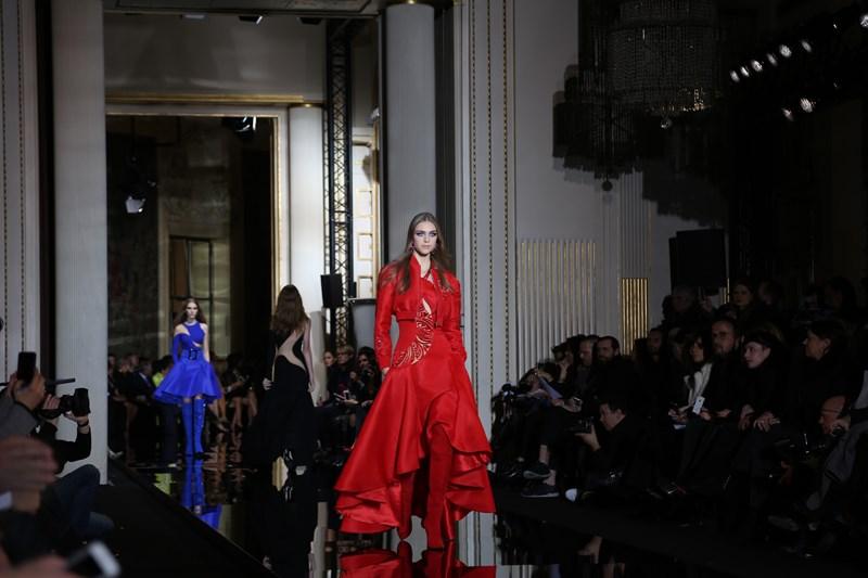 показа Atelier Versace