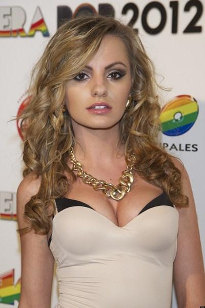 Певица Александра Стан, 25