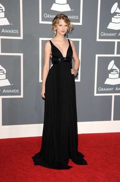 Певица Тейлор Свифт в платье Kaufmanfranco (25) 2009 год.