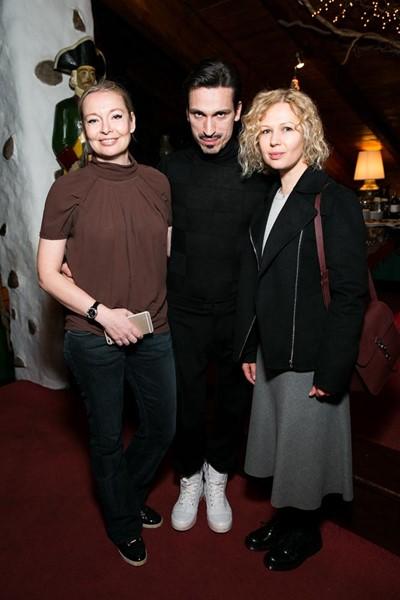 Виктория и Илья Давыдовы и Галина Мазаева