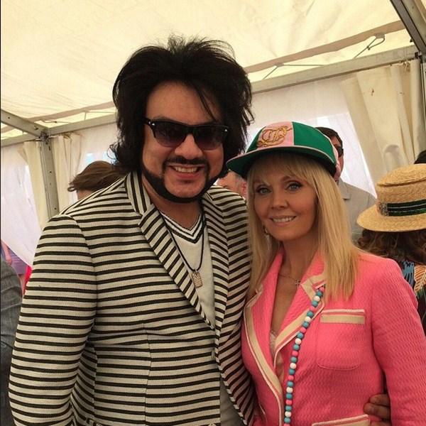 Филиппу Киркорову на скачках гран-при «Радио Монте Карло» понравился розовый пиджачок Валерии.