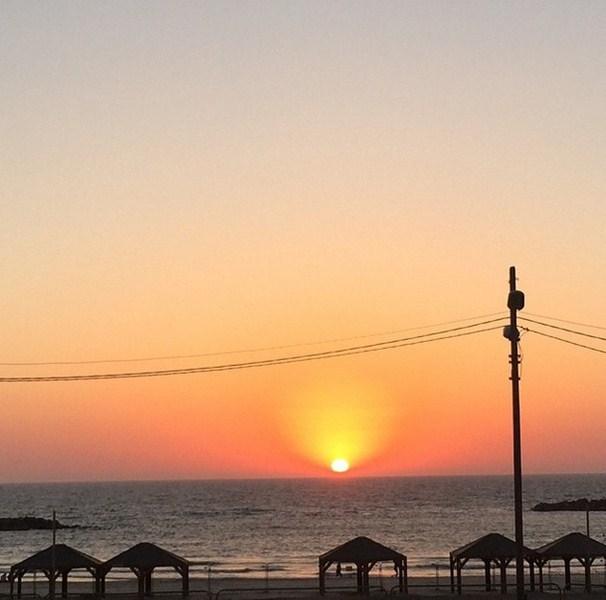 Игорь Верник любовался восходом в Тель-Авиве.