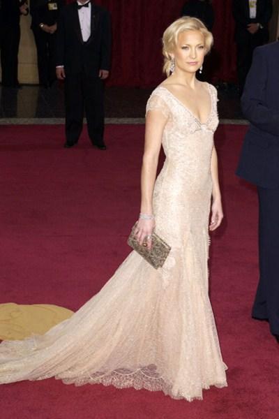 Актриса Кейт Хадсон (35) в платье Versace. 2003 год.
