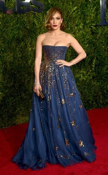Дженнифер Лопес (45) в Valentino Couture