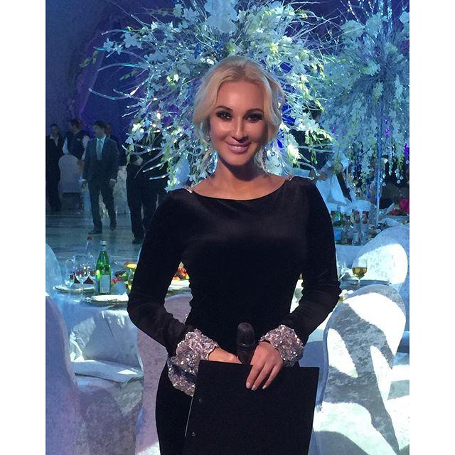 Лера Кудрявцева и в выходные работала.