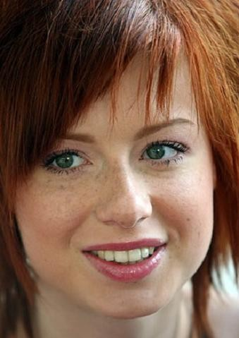Певица Юлия Савичева, 28