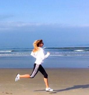 Ника Белоцерковская парила в воздухе Лос-Анджелеса.