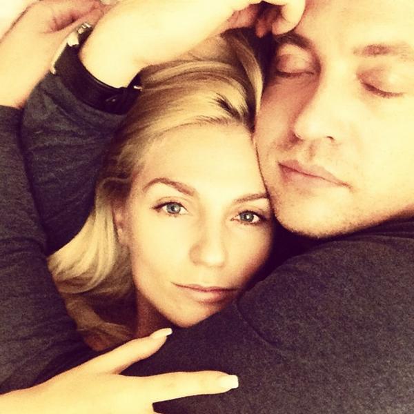 Солистка группы ''Фабрика'' Александра Савельева (31) и актер Кирилл Сафронов (41)