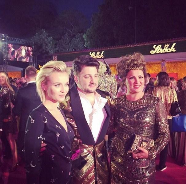 Полина Гагарина посетила Life ball в компании Юсифа Эйвазова и Анны Нетребко.