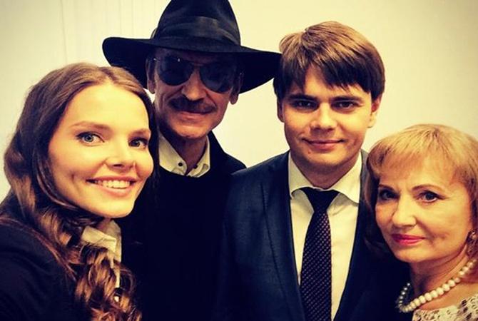 Михаил Боярский с дочерью Лизой, сыном Сергеем и супругой Ларисой Луппиан.