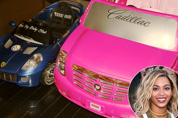 У принцессы должна быть своя машина, поэтому родители купили ей сразу две. Вскоре там будет целый автопарк.