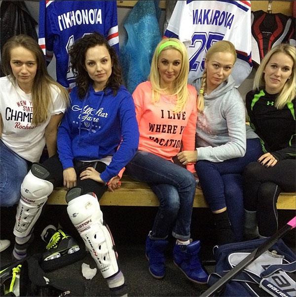 Телеведущая и актриса Лера Кудрявцева (43), жена нападающего питерского хоккейного клуба СКА Игоря Макарова (27).