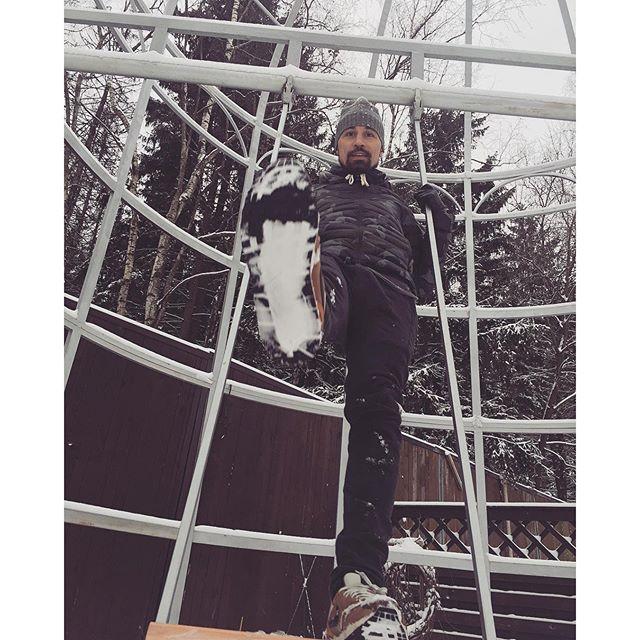 Дима Билан, как маленький мальчишка, радовался первому снегу.