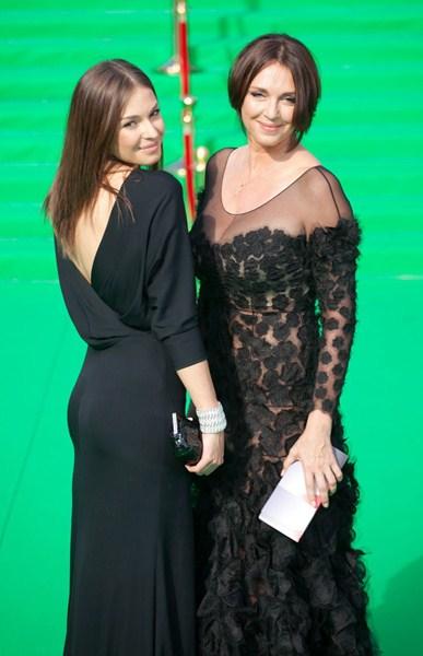Актрисы Агния Дитковските (27) и Татьяна Лютаева (50)