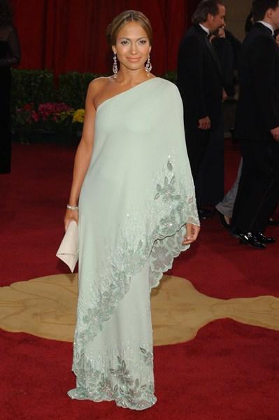 Певица Дженнифер Лопес (45) в платье Valentino. 2003 год.